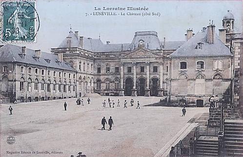 Chateau - cour couleur