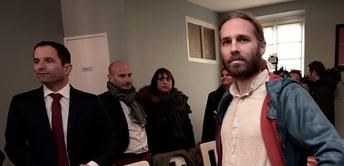 """Evasion fiscale : Jon Palais, un """"faucheur de chaises"""" devant la justice"""