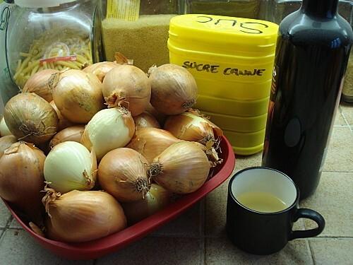 Mini tartelettes au Boudin blanc sur son Confit d'oignons
