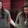 Jacob et Bella rient...