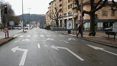 Sas vélo et tourne-à-droite arrivent à Vienne