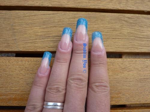 Bleu holo de chez Kristal Beauté