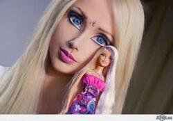 Mlle la poupée Valeria Lukyanova