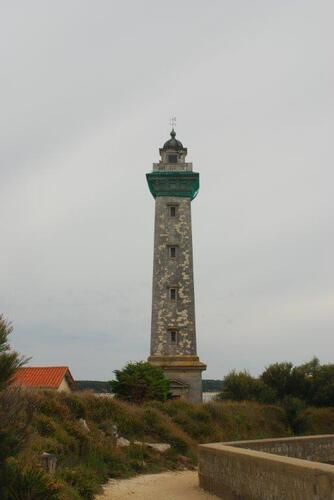 Le phare St Georges sur la pointe Vallières