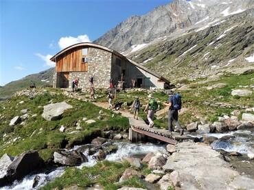 Refuge CAF du Fond d'Aussois (2350 m)