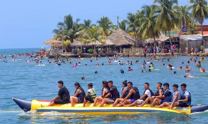 Visite De Roatán...L'île Aux Coraux Magiques...