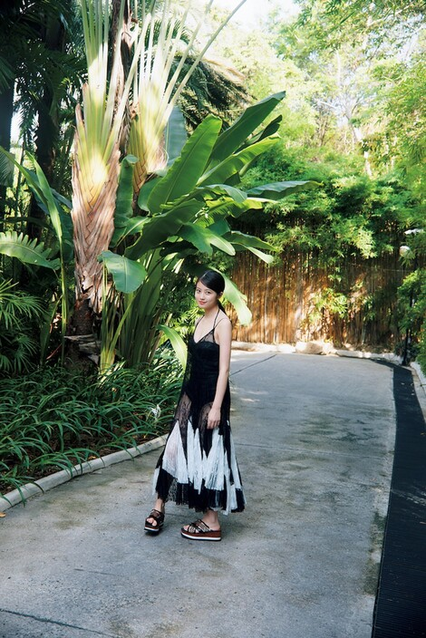 WEB Magazine : ( [FRIDAY Digital - Gravure] - |FRIDAY - 22/11/2019 - Mio Imada : 今田美桜 これで見納め最後の水着 セカンド写真集から先行カットを独占公開!| )