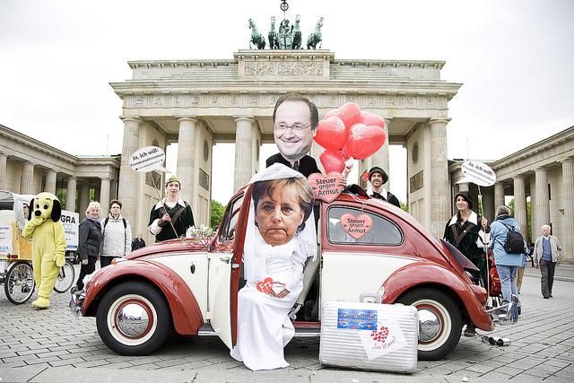 Hollande et Merkel utilisent le Brexit pour créer une armée européenne
