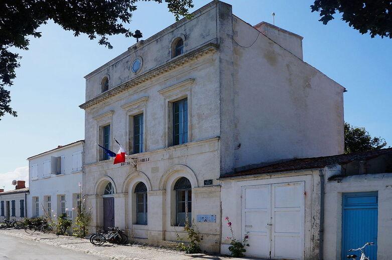 L'Ile d' aix, la mairie (2).jpg