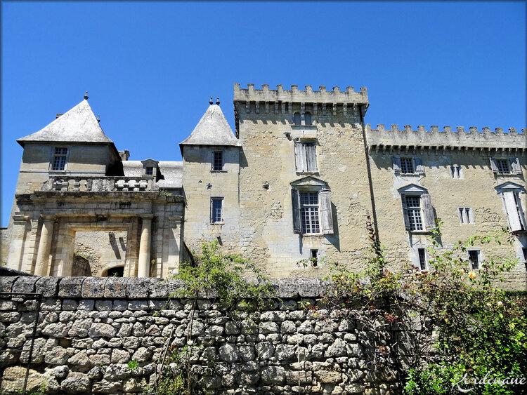 Façade château de Vayres (entrée principale)