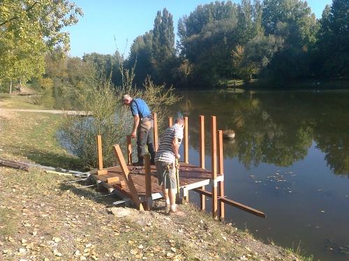 Creation d'un ponton pour personne a mobilite reduite a LOIRE SUR RHONE