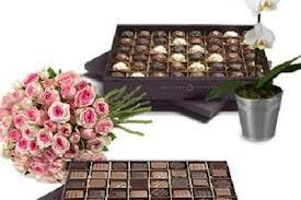 """""""""""L'Eternel bouquet de roses et ses Chocolats ."""""""""""""""