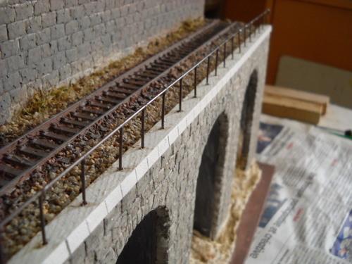 Pont viaduc et voie ferrée