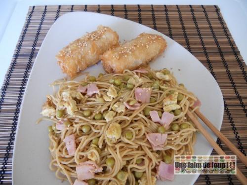 Nouilles chinoises à la cantonaise / Nems