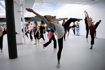 dance ballet class working choreography dancers