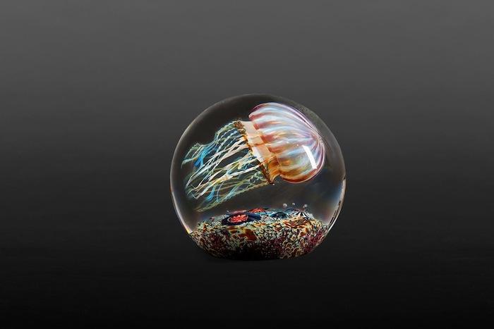 Fascinantes Sculptures de méduses en verre