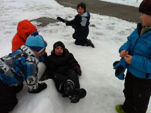 Récréation sous la neige...3