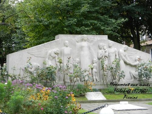 """MONUMENT AUX MORTS : défi """"mille défis"""""""