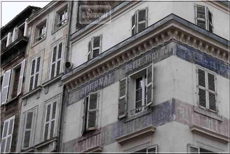 La Rochelle rue de la Grosse Horloge ancienne publicité maison de la Presse
