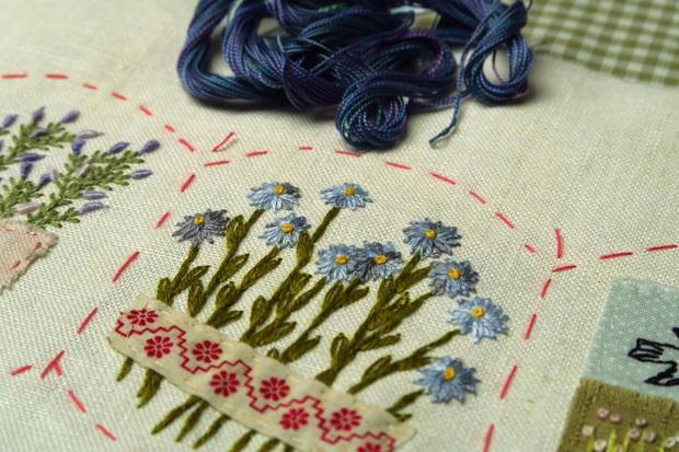 Sur le bord de ma table... fleurs en conserve