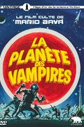 La Planete Des Vampires : Les vaisseaux spatiaux Argos et Galliot s'approchent d'une planète inconnue dont provient un mystérieux signal. Soudain, l'Argos est pris dans une force d'attraction magnétique faisant perdre connaissance à tous les membres de l'équipage, à l'exception du commandant Mark qui parvient à effectuer les manœuvres nécessaires à l'atterrissage. Après que le vaisseau a touché le sol, Mark a cependant la surprise de voir ses compagnons saisis par une rage homicide, dont ils n'ont plus aucun souvenir une fois qu'ils sont revenus à leurs esprits. L'atmosphère extérieure s'avérant respirable, les astronautes se mettent en route pour rejoindre le Galliot qui s'est posé non loin, mais en arrivant, ils constatent que tous les membres de l'équipage se sont entretués. Les deux vaisseaux étant hors d'usage, les survivants se retrouvent donc coincés sur cette étrange planète, désormais convaincus qu'il s'y tapit une force invisible vouée à les mener à leur perte… ----- ... Date de sortie 6 juillet 2016 (1h 26min) De Mario Bava Avec Barry Sullivan, Norma Bengell, Angel Aranda plus Genres Science fiction, Fantastique Nationalités Italien, Espagnol