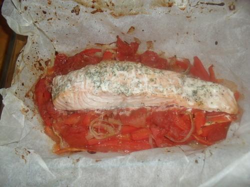 Après les gâteaux, recette de papillotte de saumon aux petits légume histoire d'alléger un peu