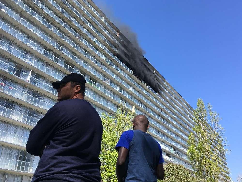 Plusieurs dizaines d'habitants ont dû évacuer l'immeuble.