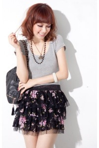 ten-things-i-love-about-you-black-floral-skirt