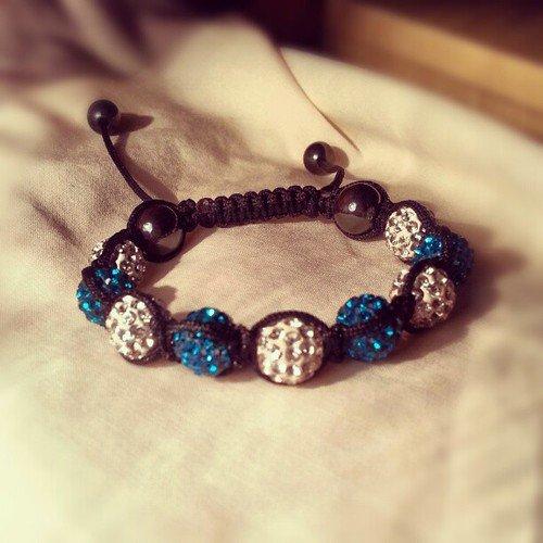 Fabriquer un  bracelet shamballa