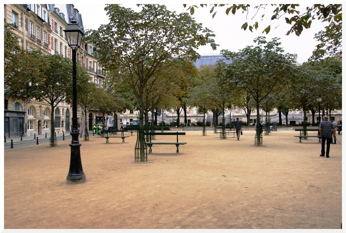 Place Dauphine. Paris