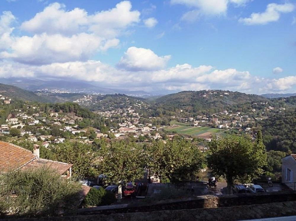 Après la jolie promenade le long de la Siagne voici le joli village d'Auribeau / Siagne