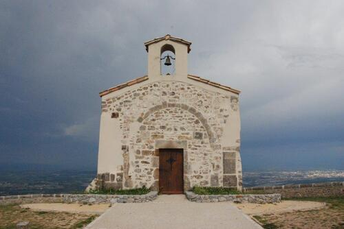 La petite chapelle seul vestige de l'ancien village