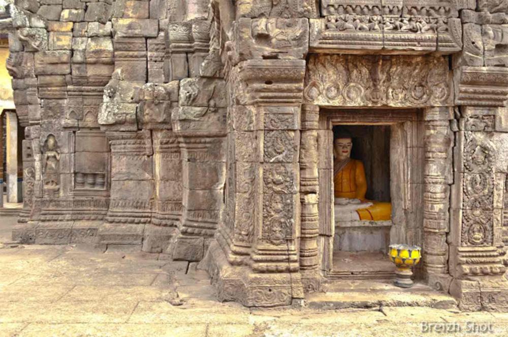 Banteay Prei Nokor : Un Bouddha dans une niche