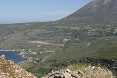 Descente sur la plage de Pyrgos Dirou