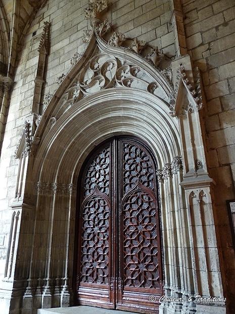 Le Cloitre de la Cathédrale Ste Croix