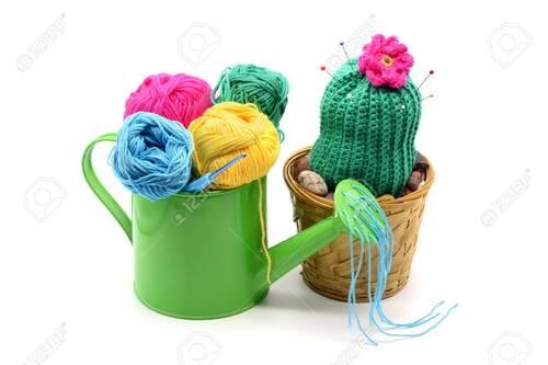 Tricoti ,tricota ,bientôt Pâques !!