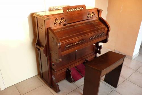 Reed-organ Estey