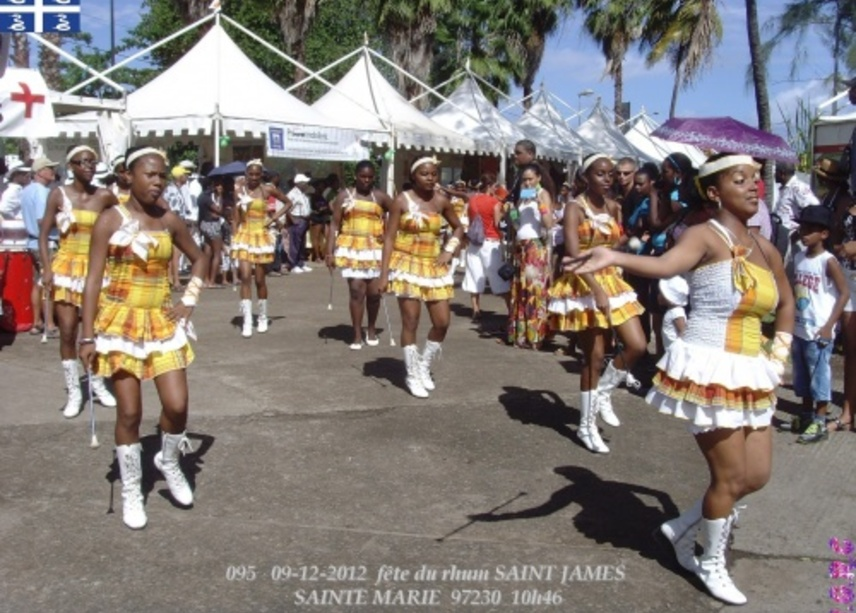 FOLKLORE 30 ANS SAINT JAMES