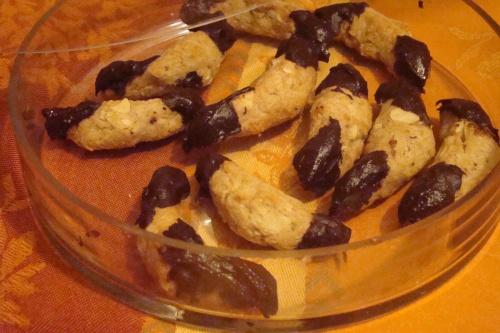Recette de petits croissants aux amandes et chocolat.