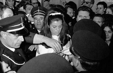 08 février 1967 : Sheila triomphe à Nice. NOUVEAUTÉS !!!