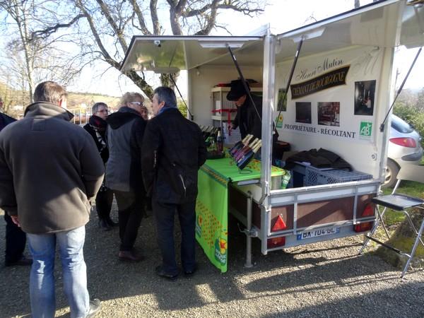 Un marché gourmand et un repas truffé ont régalé les visiteurs du marché de la truffe 2016 à Leuglay...