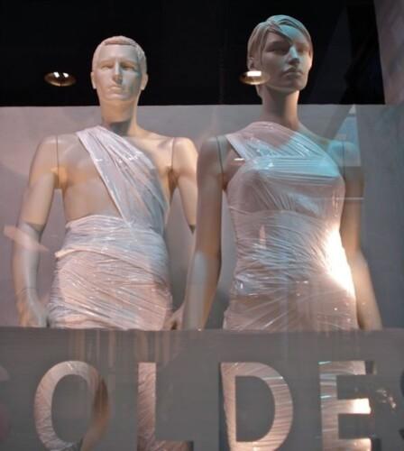 soldes-mannequins-bandages.jpg