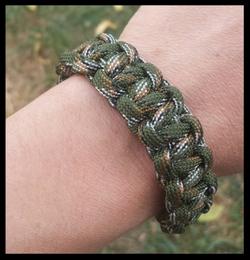 Bracelets paracordes