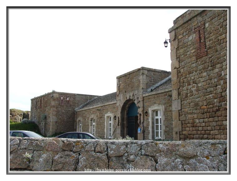 Phare de Fermanville et le Fort de Cap Lévi