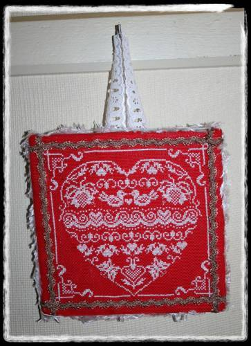 finition broderie coeur a r