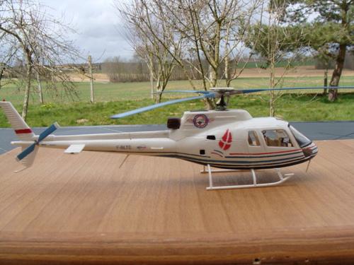Maquette hélicoptère AS350B Ecureuil F-BLTS au 1/48