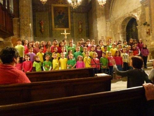 La chorale de l ' école Notre Dame du Sourire