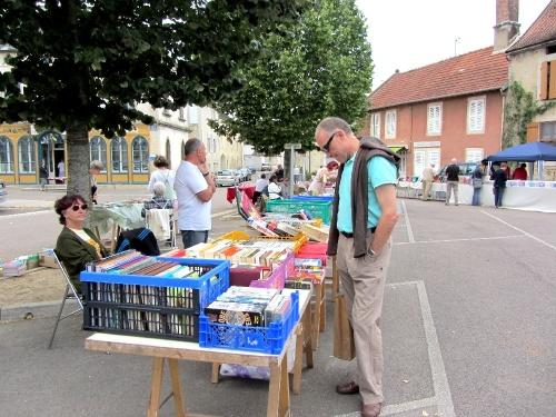 Bourse aux livres et aux vieux papiers à Laignes dimanche...