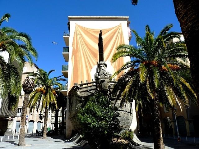 Toulon bateau sculpture de Neptune 2 Marc de Metz 2012