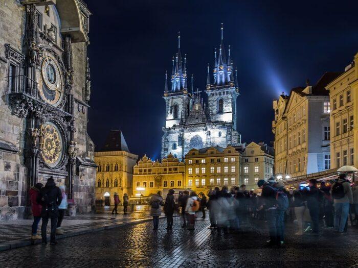 Top 10 Des Choses Essentielles À Voir Ou -  À Faire À Prague...La Plus Belle Ville D'Europe -  Par - Ponnard Mat -